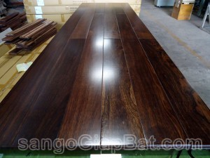 Sàn gỗ Chiu Liu (18x120x900mm)