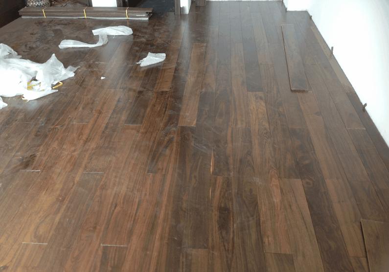 ván sàn gỗ chiu liu tự nhiên