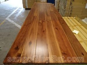 Sàn gỗ Keo Tràm (18x120x600mm)