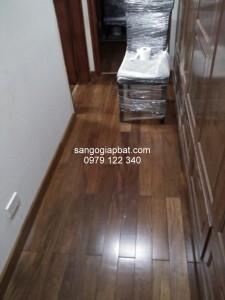 Thi công sàn gỗ Căm Xe Lào tại Chung cư viện chiến lược Cầu Giấy Hà Nội