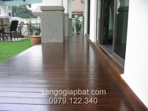 Sàn gỗ Dầu (15x90x750mm)