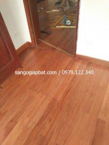 Thi công sàn gỗ Căm Xe Lào tại Khu biệt thự Pháp Vân