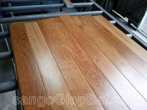 Sàn gỗ Sồi (15x90x900mm)