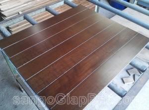 Sàn gỗ Dầu (18x120x900mm)