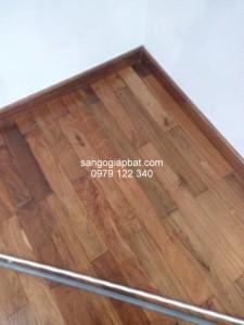 Thi công sàn gỗ Căm Xe Lào tại Chung cư GreenStar Phạm Văn Đồng